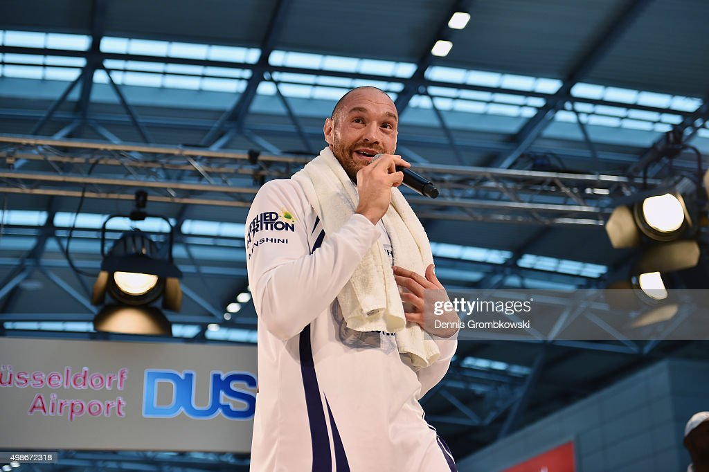 Tyson Fury practices during a Media Training Session at Dusseldorf Airport on November 25, 2015 in Duesseldorf, Germany.
