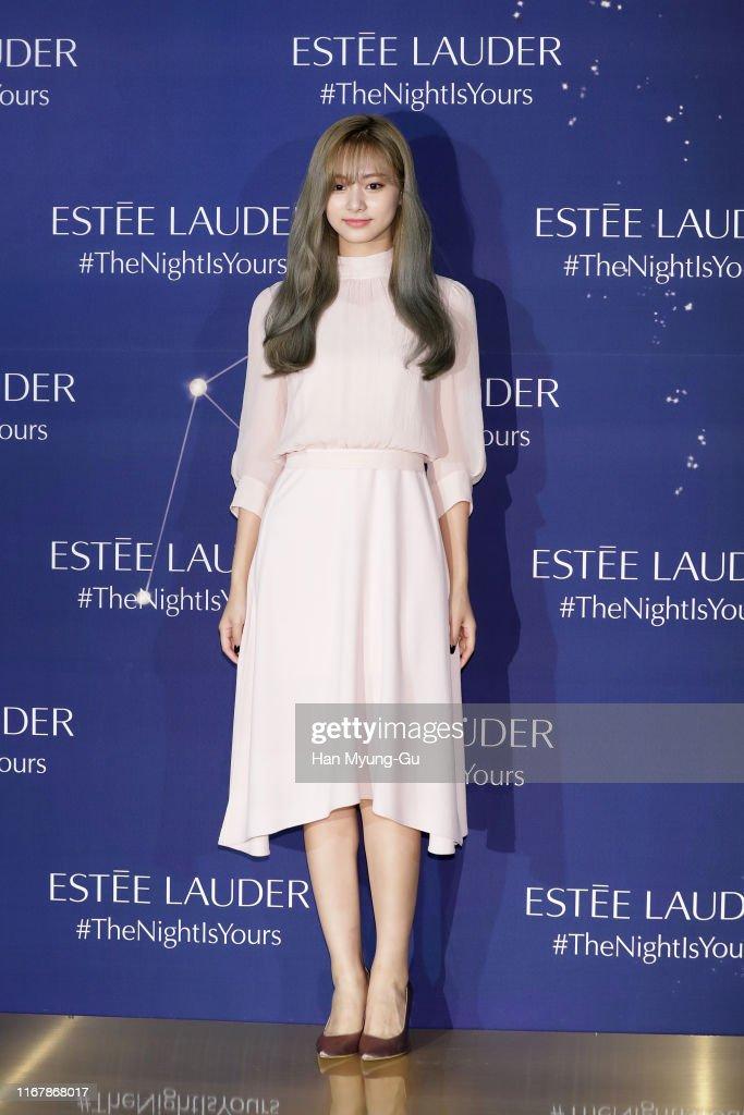 Estee Lauder - Photocall : News Photo