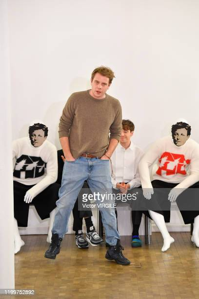 PARIS FRANCE u2013 JANUARY 15 Fashion designer Jonathan Anderson walks the runway during the JW Anderson Menswear Fall/Winter 20202021 show as part...
