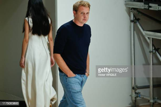 358 Jonathan Anderson Fashion Designer Photos And Premium High Res Pictures Getty Images