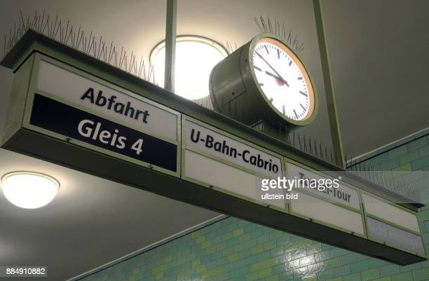 U5Bahnsteig Alexanderplatz ist auch Start und Ziel fuer BVGSondertouren
