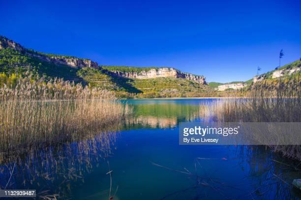 uña lagoon in springtime - laguna fotografías e imágenes de stock
