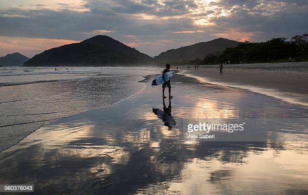 ubatuba , itamambuca beach , sao paulo , brazil - alex saberi photos et images de collection