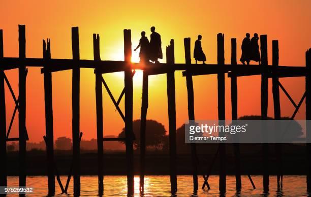 u-bein bridge, myanmar (burma) - dietmar temps stockfoto's en -beelden