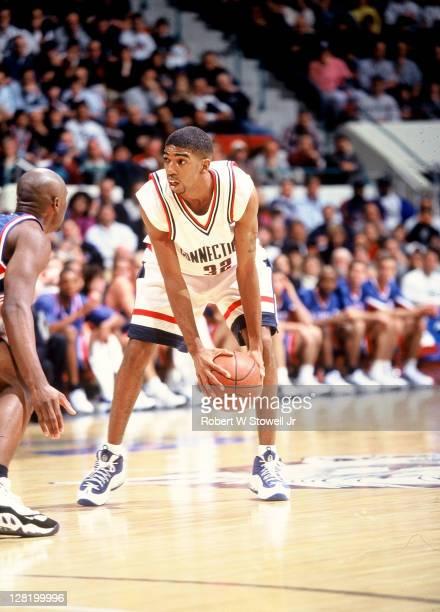 UConn's Rip Hamilton eyes defender Hartford CT 1999