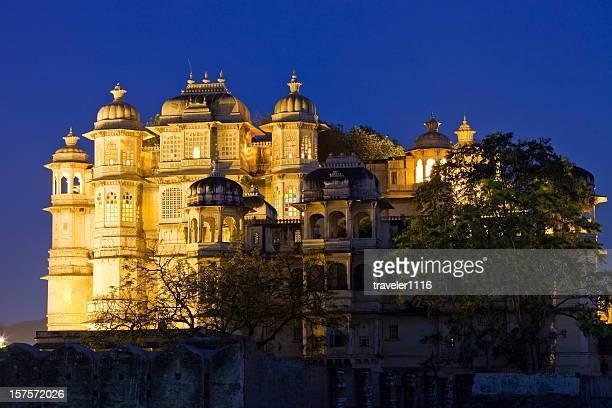 palácio da cidade de udaipur - palácio imagens e fotografias de stock