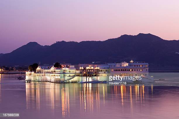 udaipur lake palace - udaipur stock pictures, royalty-free photos & images
