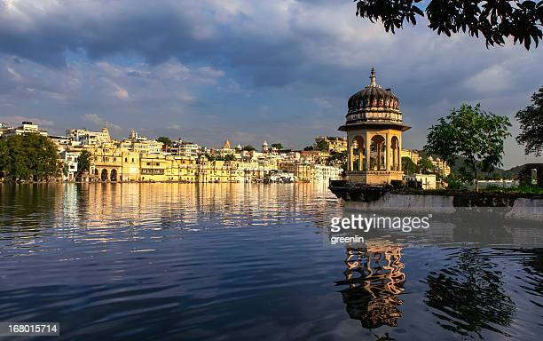 udaipur - the white city - udaipur stock pictures, royalty-free photos & images