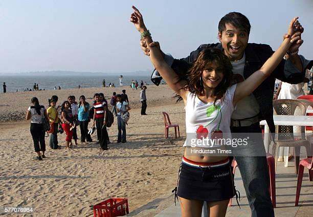 Uday Chopra and Tanisha at Juhu Beach Photo by Girish Srivastava/Hindustan Times via Getty Images