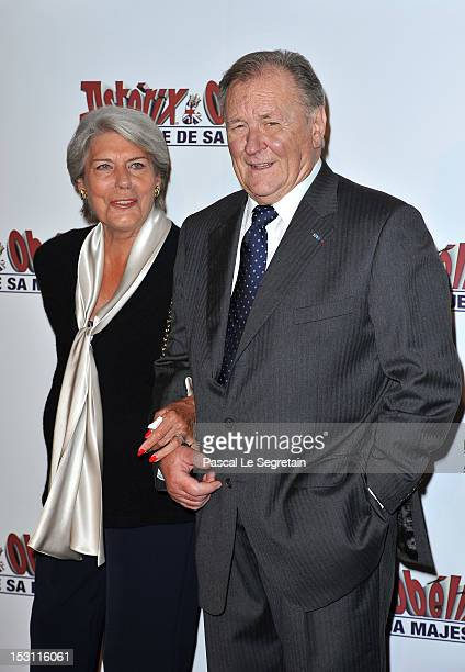 Uderzo and his wife attends the 'Asterix Obelix Au Service De Sa Majeste' premiere at Le Grand Rex on September 30 2012 in Paris France