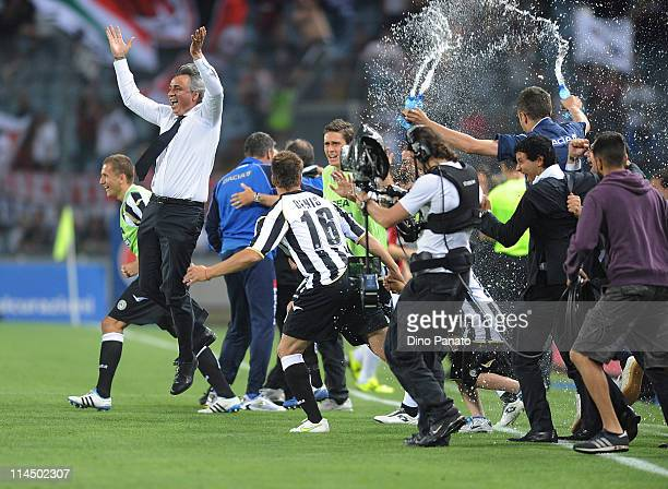 Udinese Calcio celebrate qualification in the UEFA Champions League after the Serie A match between Udinese Calcio and AC Milan at Stadio Friuli on...
