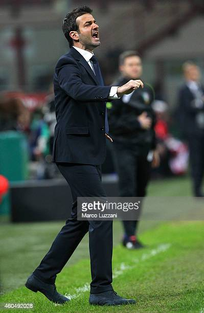 Udinese Calcio coach Andrea Stramaccioni shouts to his players during the Serie A match between FC Internazionale Milano and Udinese Calcio at Stadio...