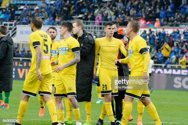 Udinese players show their dejection after the serie A match between Atalanta BC and Udinese Calcio at Stadio Atleti Azzurri d'Italia on March 31...
