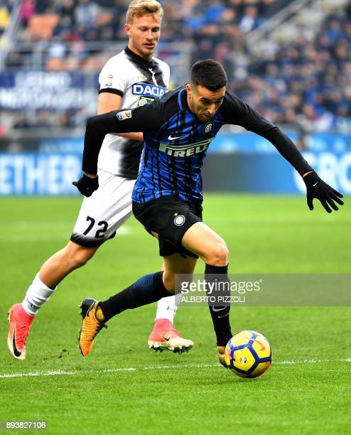 Udinese's midfielder Antonin Barak from Czech Republic fights for the ball with Inter Milan's Uruguayan midfielder Matias Vecino during the Italian...