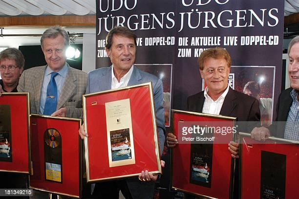 Udo Jürgens Freddy Burger Peter Wagner Mucki Stammler Wolfgang Hofer Verleihung 4 x Gold für CDJetzt oder nie Sampler Zeig mir den Platz an der Sonne...
