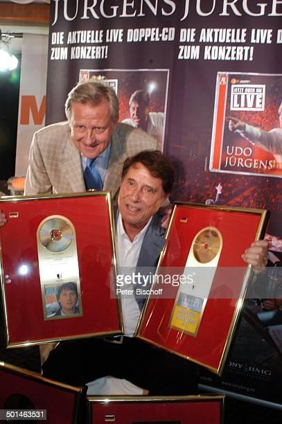Udo Jürgens Freddy Burger Verleihung 4 x Gold für CDJetzt oder nie Sampler Zeig mir den Platz an der Sonne Jubiläumsedition Aber bitte mit Sahne und...