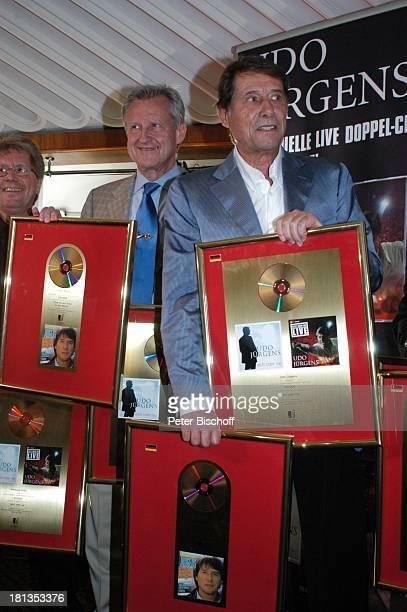 Udo Jürgens Freddy Burger Wolfgang Hofer Verleihung 4 x Gold für CDJetzt oder nie Sampler Zeig mir den Platz an der Sonne Jubiläumsedition Aber bitte...