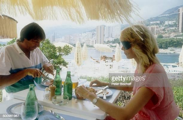 Udo Jürgens Lebensgefährtin Corinna Reinhold Urlaub Monaco/Monte Carlo Schlagersänger Sänger Essen Sonnenbrille Promi Promis Prominente Prominenter HS