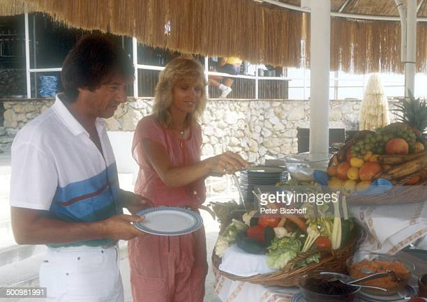 Udo Jürgens Lebensgefährtin Corinna Reinhold Urlaub Monaco/Monte Carlo Schlagersänger Sänger Essen Buffet Promi Promis Prominente Prominenter HS