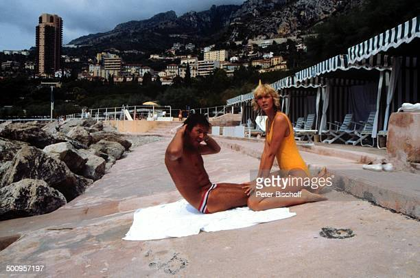 Udo Jürgens mit Freundin Corinna Reinhold Monaco/Monte Carlo Strand Badeanzug Promi Foto PBischoff