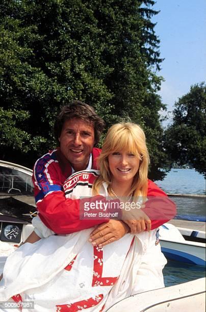 Udo Jürgens mit Freundin Corinna Reinhold Wörthersee/Kärnten Österreich Boot See Promi Foto PBischoff