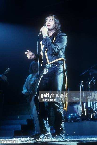 """""""Udo Lindenberg, Tour-Auftakt """"""""Rock Revue"""""""" am in der Stadthalle in Bremen, Deutschland. """""""