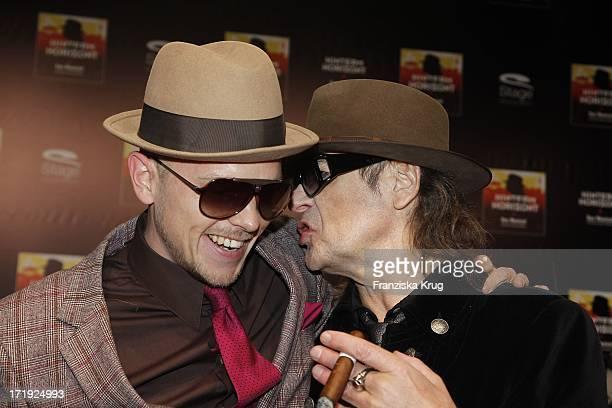 Udo Lindenberg Und Jan Delay Bei Der Premiere Des Musicals Hinterm Horizont Im Theater Am Potsdamer Platz In Berlin