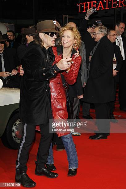 Udo Lindenberg Und Katja Riemann Bei Der Premiere Des Musicals Hinterm Horizont Im Theater Am Potsdamer Platz In Berlin