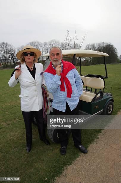 Udo Walz Und Prof Gabriele Henkel Beim Golfen Im Land Fleesensee Am 300405