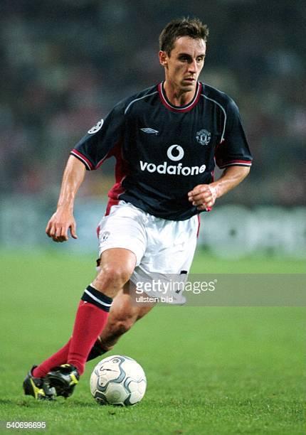 UEFAChampionsLeague PSV EindhovenManchester United Endstand 31 Gary Neville Abwehrspieler des englischen Premier League Fußballvereins Manchester...
