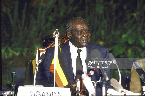 Ugandan Leader Lt General Tito Okello during signing ceremony of peace treaty with his rival Yoweri Museveni mediated by President Daniel Arap Moi