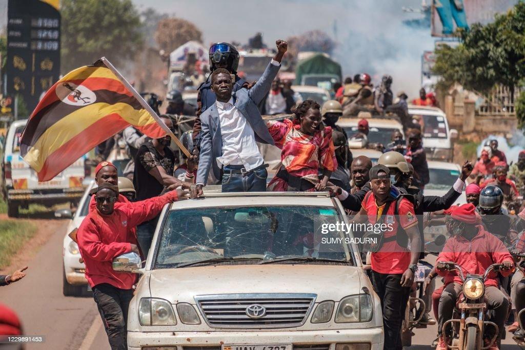 TOPSHOT-UGANDA-POLITICS-ELECTION : News Photo