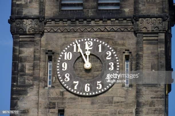Uhr Neues Rathaus Markt Chemnitz Sachsen Deutschland