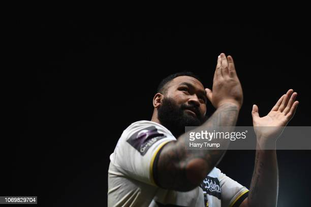 Uini Atonio of La Rochelle applauds the fans during the Challenge Cup match between Bristol Bears and La Rochelle at Ashton Gate on December 8 2018...