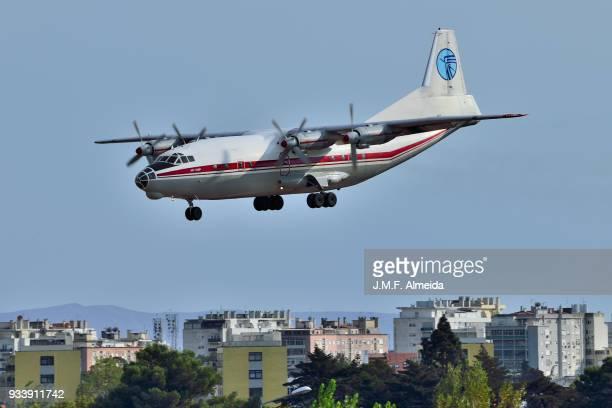 ur-cgw - ukraine air alliance (uaa)   antonov an-12bp - antonov stock pictures, royalty-free photos & images