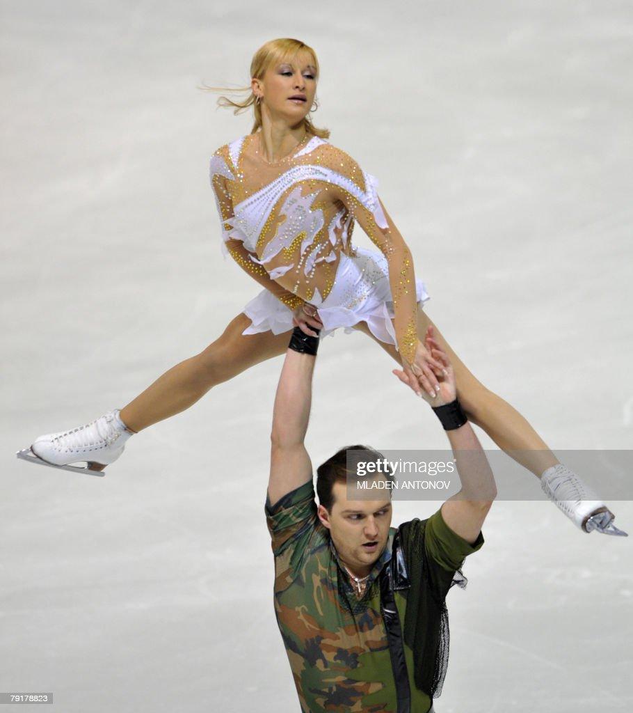 Ukraine's Tatiana Volosozhar and Stanislas Morozov perform their free skating program at the Dom Sportova Arena in Zagreb, 23 January 2008, during the European Figure Skating Championships 2008.