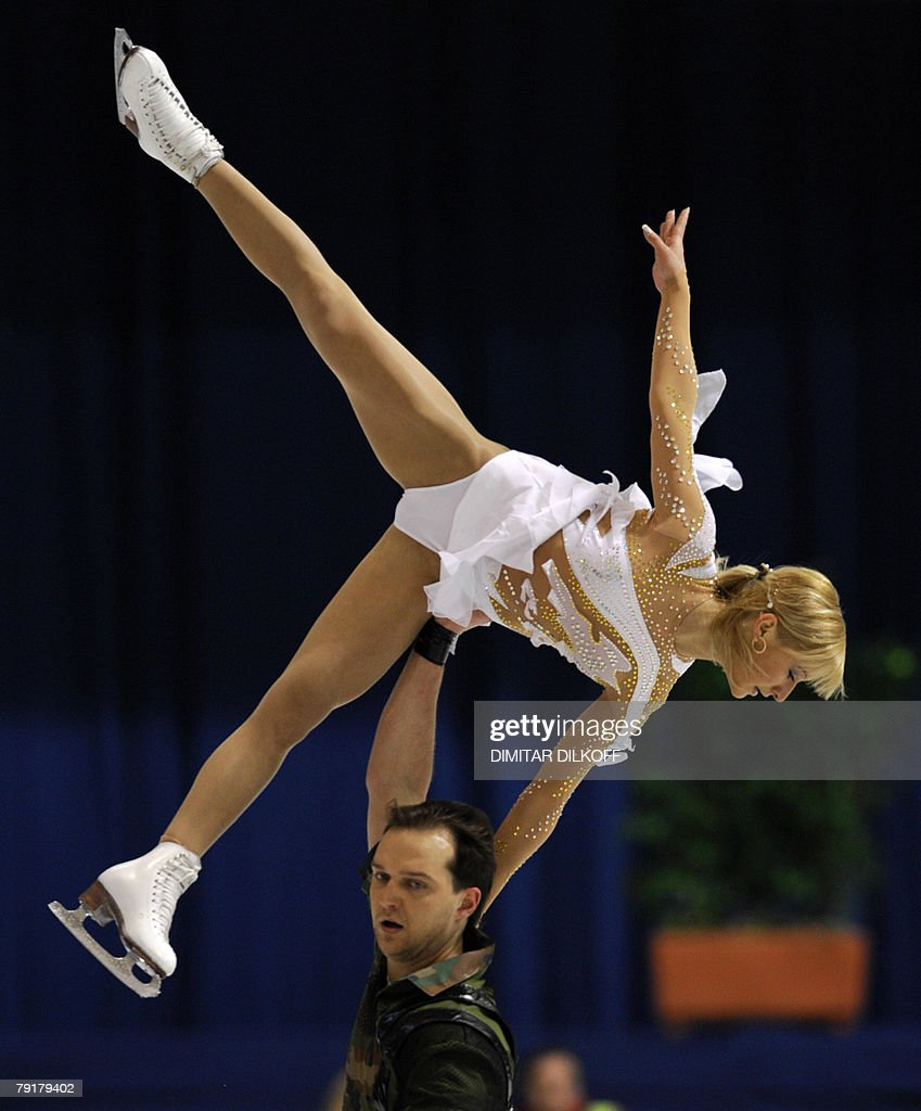 Ukraine's Tatiana Volosozhar and Stanislas Morozov perform their free skating program at the Dom Sportova Arena in Zagreb, 23 January 2008, during the European Figure Skating Championships 2008.