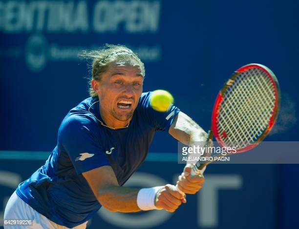 Ukraine's tennis player Alexandr Dolgopolov returns the ball to Japan's Kei Nishikori during their Argentina Open final singles match at the Lawn...