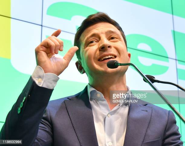 Ukrainian comedian and presidential candidate Volodymyr Zelensky speaks to the media during press conference at his campaign headquarters in Kiev on...