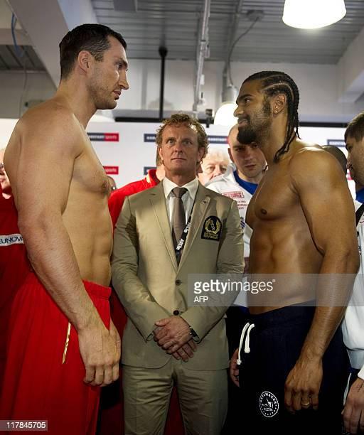 ¿Cuánto mide Dwayne Johnson (The Rock)? - Altura - Real height - Página 2 Ukrainian-ibf-and-wbo-world-champion-wladimir-klitschko-and-british-picture-id117845705?s=612x612