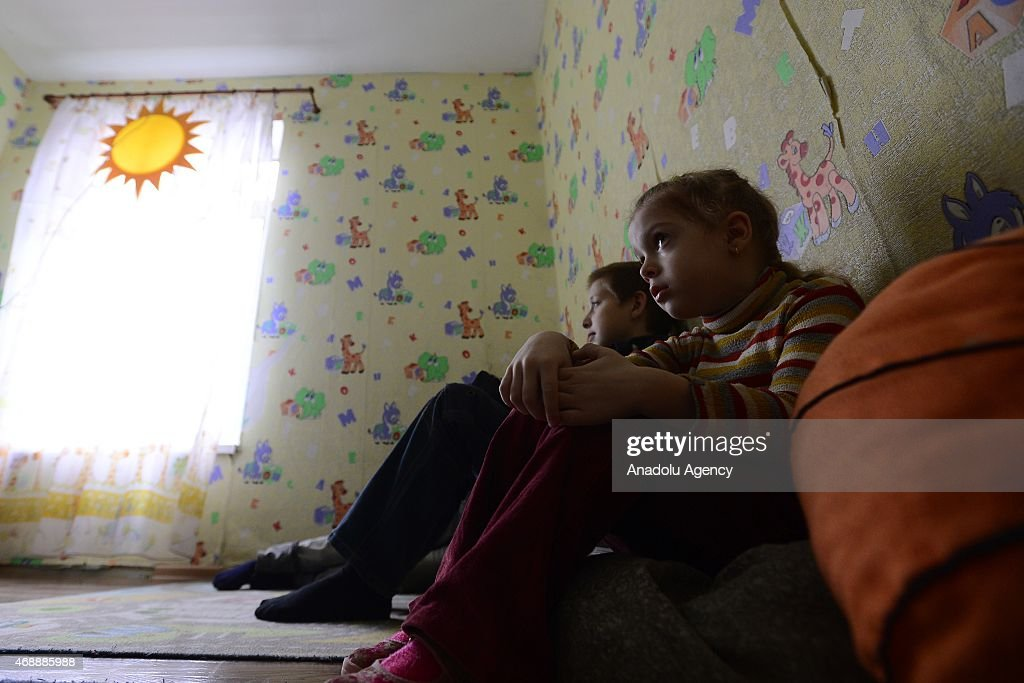 Ukrainian refugees settle in Russia's refugee camp : News Photo