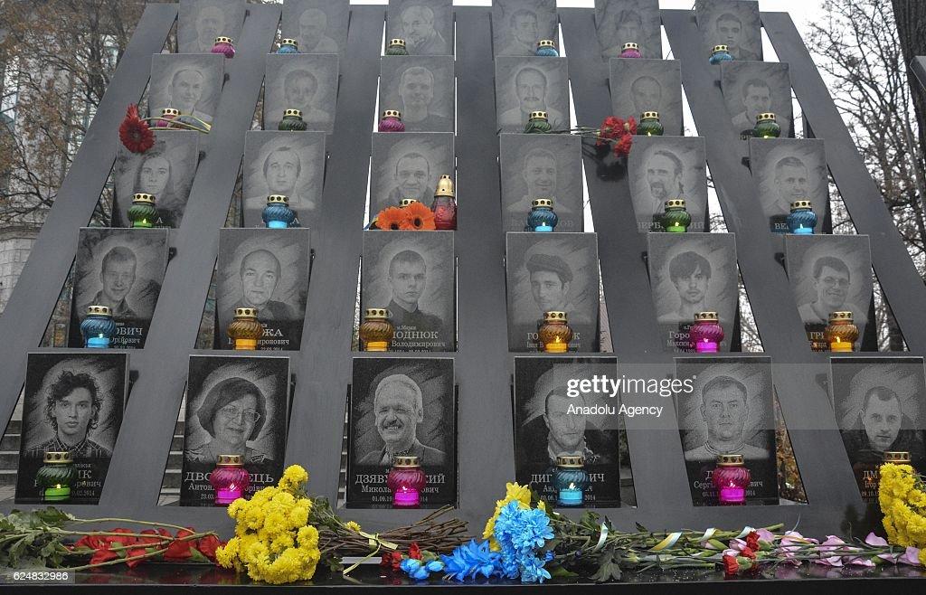 Ukrainians mark the anniversary of the Euromaidan Revolution in Kiev : News Photo