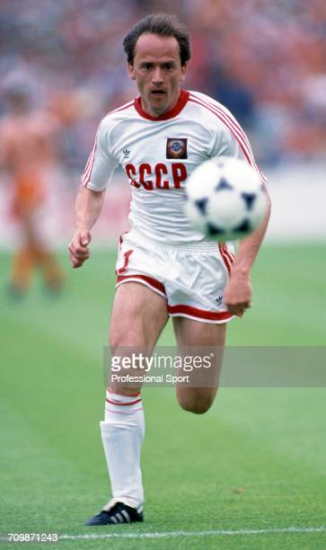 Ukranian footballer Igor Belanov of the Soviet Union team makes a run with the ball during play against the Netherlands in the final of the UEFA Euro...