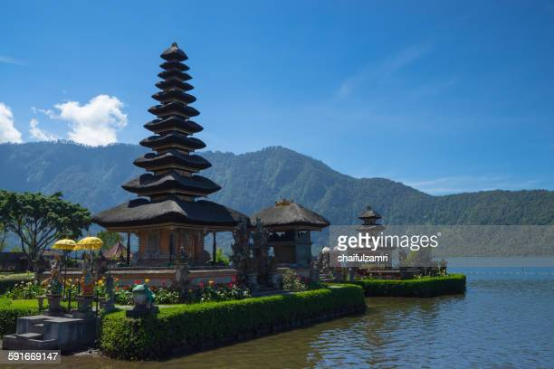 ulan danu temple in bali - shaifulzamri stock pictures, royalty-free photos & images