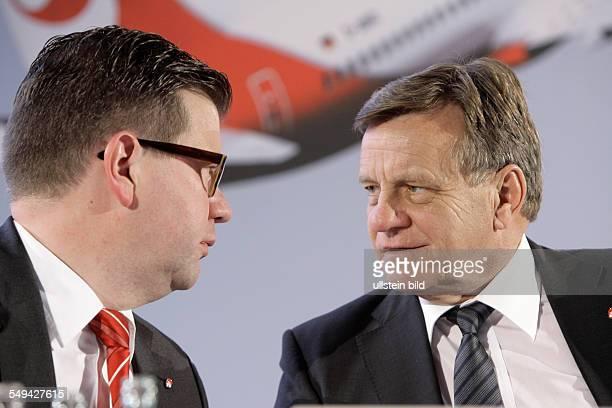 Ulf Hüttmeyer Finanzvorstand und Hartmut Mehdorn Vorstandsvorsitzender der Air Berlin PLC und Co Luftverkehrs KG auf der Bilanzpressekonferenz