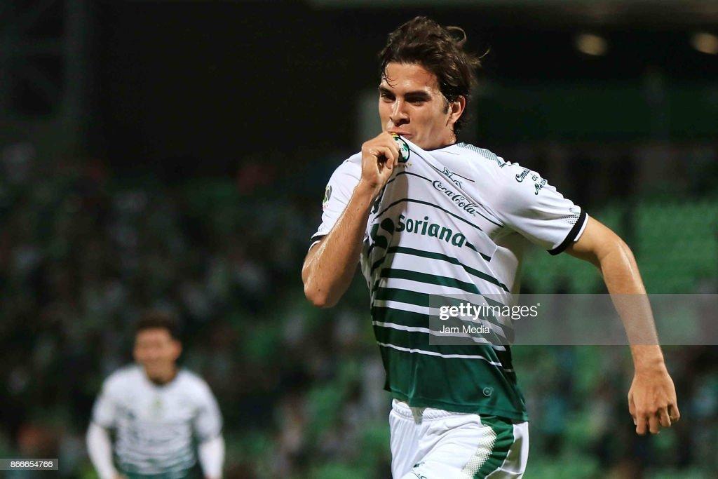 Santos v Necaxa - Torneo Apertura 2017 Copa MX : News Photo