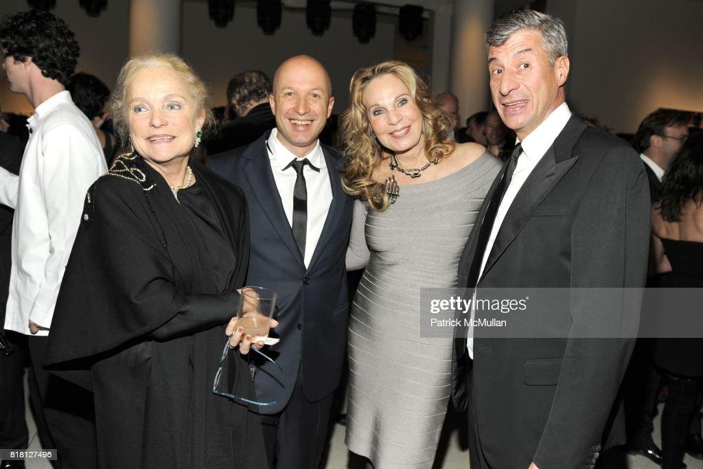 Ulla Dreyfus-Best, Sam Keller, Tiqui Atencio and Maurizio Cattelan attend 2010 GUGGENHEIM International Gala at Solomon R. Guggenheim Museum on November 8, 2010 in New York City.