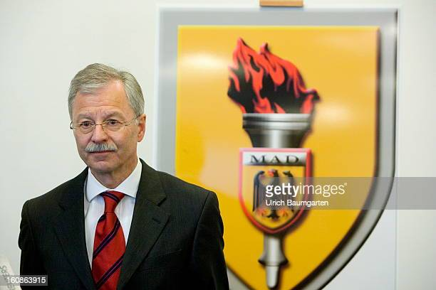 Ulrich Birkenheier President of the MAD at German Defense Minister Thomas de Maiziere visit of the German Military CounterIntelligence Service on...