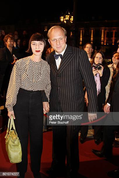 Ulrich Tukur mit Ehefrau Katharina John, 21. Hessischer Film- und Kinopreis 2010, Alte Oper, Frankfurt, Hessen, Deutschland, Europa, Roterteppich,...