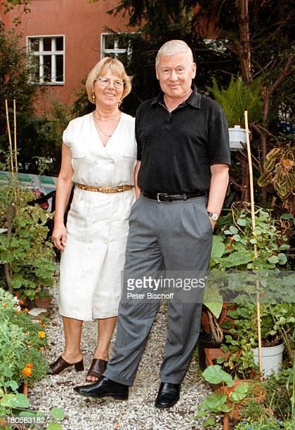 Ulrich von Dobschütz, Ehefrau Barbara von;Dobschütz, Homestory, Berlin, Deutschland, Europa, Haus,;Garten, Frau,